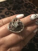 Gyönyörűséges sokk fekete fehér köves ezüst gyűrű