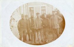 Katonák csoportkép