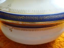 Cseh porcelán