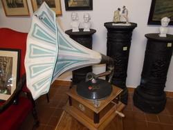 Antik tölcséres gramofon,gramafon