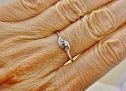 Szép gránátköves ezüst gyűrű
