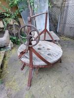 Antik virágtartó vagy lerakó asztal..