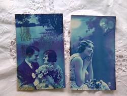 2 db antik kék alapszínű fotólap/képeslap romantikus pár, vízpart, virágok 1930-as évek
