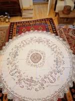 Antik kézimunka terítő, filé betétes. 2 méteres kör alakú