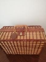 Nagyon elegáns picnik bőrönd szép állapotban