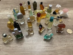 Mini Vintage parfüm gyűjtemény  32 db egyben eladó.