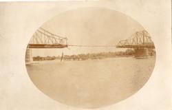 Felrobbantott híd, függőhíd