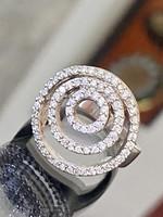 Káprázatos ezüst gyűrű cirkónia kövekkel
