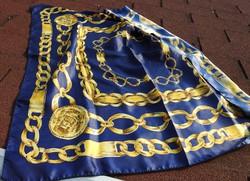 Kék és arany lánc mintás kendő