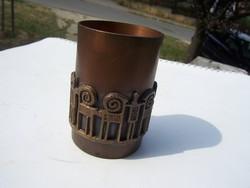 Craftsman metalworker bronze glass -customer gy.?