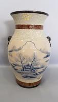 Kínai váza kézzel festett tájképpel