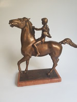 "Domonkos Béla:  "" Gyí' lovam "", bronz szobor"