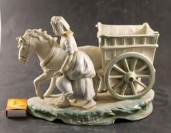 Szignált porcelán lovas szobor 992