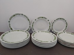 Alföld porcelán zöld magyaros dekorral tányérsor, tányérok, népi minta, zöld népi tányér