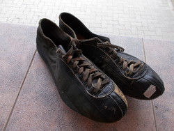 Olimpian atlétikai cipó,Magyar bajnok Görkói Jánossal,1936.Berlin