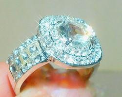 Mest. Gyémánt köves Fehér Arany Gold Filled Gyűrű- Alkalmi darab