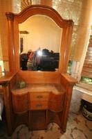 Fésülködő asztal, két éjjeli szekrény, 90 x 200 cm -es ágy és két szekrény hálószoba szett