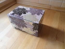 Üveg ékszertartó doboz