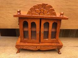 Baba bútor szekrenyke.Miniatűr.