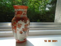 Kutani Meidzsi kézzel festett japán aranybrokát váza gazdag figurális és madár virág mintával