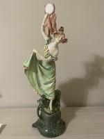 Royal Dux szobor