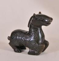 Antik kínai faragott jáde ló
