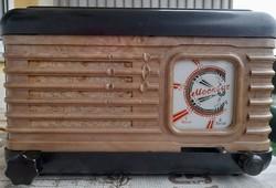 Moszkvics asztali rádió