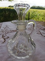 Kicsi üveg karaffa