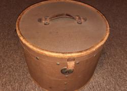 Antik kalaptartó doboz