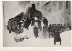 Hatvani állomás, katonák, vonat, téli kép 8,5x6 cm