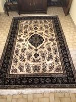 Sarug szőnyeg