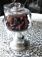 Small cake bowl with glass cake cover