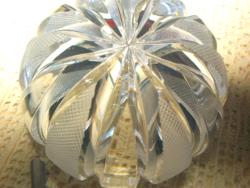 Gyönyörű csillogó egyedi kis hasas kristályváza levélnehezék