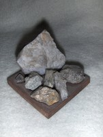 Mineral resources of Switzerland on a wooden base (20 / d)