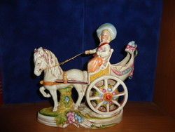 Porcelain figurine with horse-drawn carriage -lippelsdorf