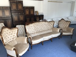 For sale completely renovated antique chesterfield sofa and two armchairs