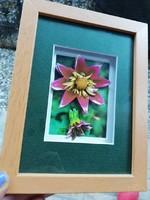Flower-glazed wooden frame