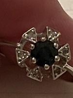 14 kr modern aranygyűrű brillel és zafirral diszitve eladó!Ara:38000.-