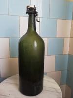 Nagy méretű zöld csatos üveg palack