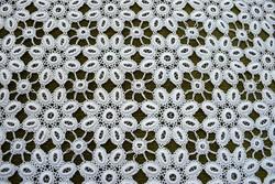 Horgolt csipke kézimunka lakástextil dekoráció kis méretű terítő asztalközép 41 x 41 cm