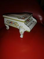 Porcelán zongora bonbonier