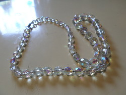 54 cm necklace with very beautiful, lustrous luster, faceted crystal beads.