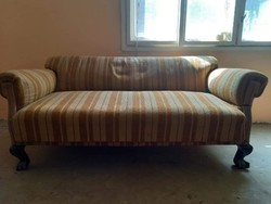 Lion-legged sofa with two armchairs