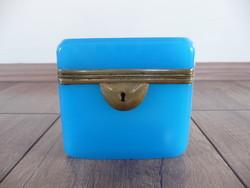 Biedermeier chalcedony in blue glass box, chest