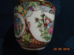 Jingdezhen novel famille rose hand-painted bird, insect, flower patterned cup with saucer