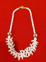 Retro porcelain necklace, reminiscent of the 60s.A