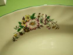 Bulgár áramvonalas porcelán ovális virágos kínáló tál 23x15x3 cm.