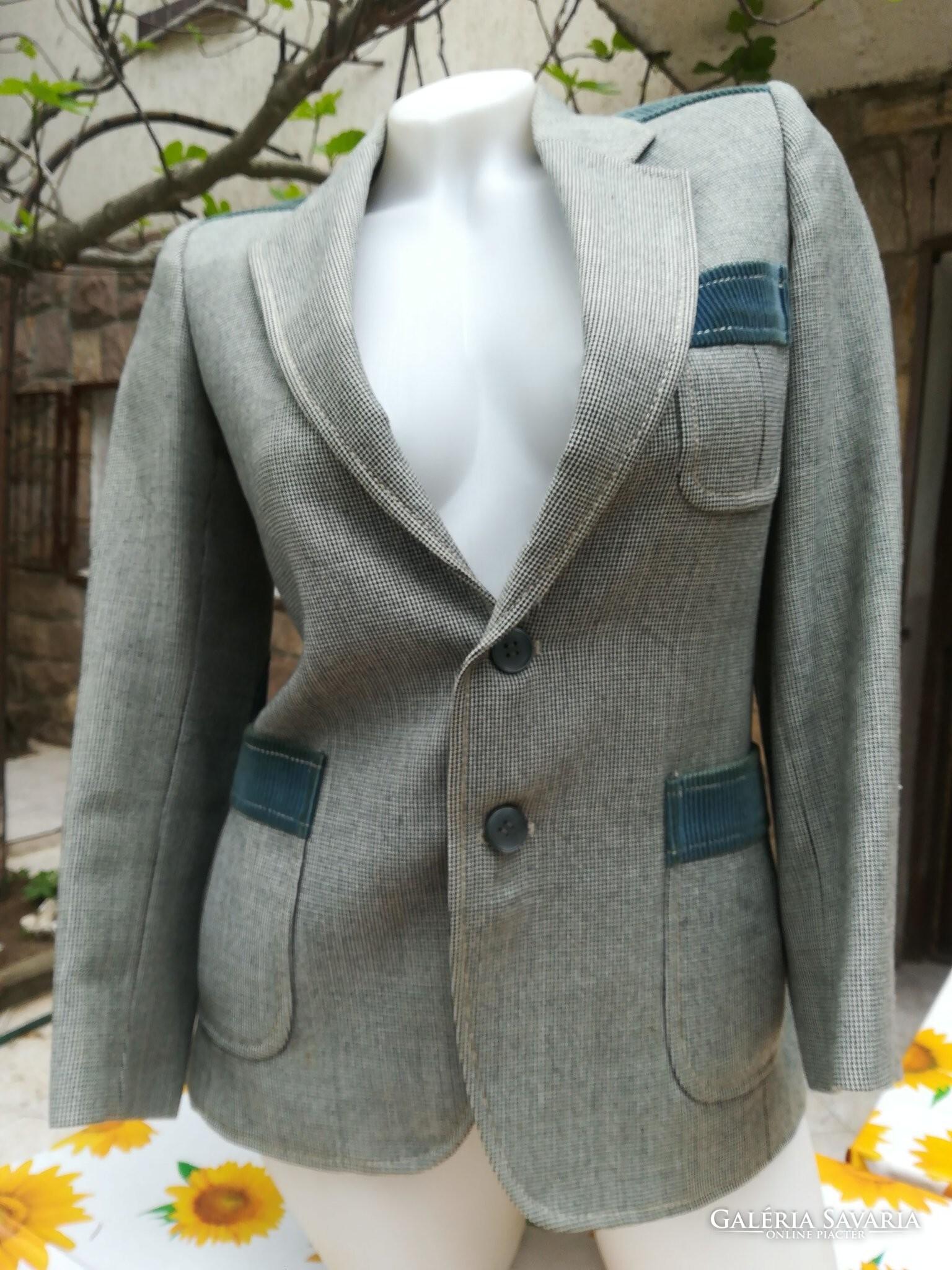 aa5a9917e2 Csinos blézer-kabátka kordbársony könyökvédővel 36-os - Wardrobe ...